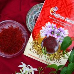 Saffron in a container and packing